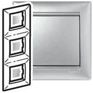 Рамка - Valena - 3 поста - вертикальный монтаж - алюминий